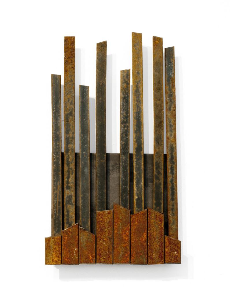 """(Verkocht) """"Reprogress IX"""" 2012. Roestig staal, magneten. L 29cm, B 16cm."""