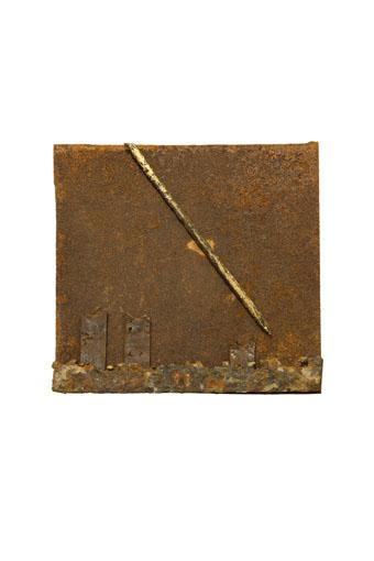 """(verkocht) """"Suprimus II"""" 2011. Staal, bladgoud, magneten."""