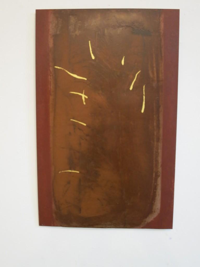 """""""Fossus VIV"""" 2012, Staal, bladgoud, verf L 78cm B 50cm. (gemaakt voor expositie """"Geel"""" WG Kunst.)"""